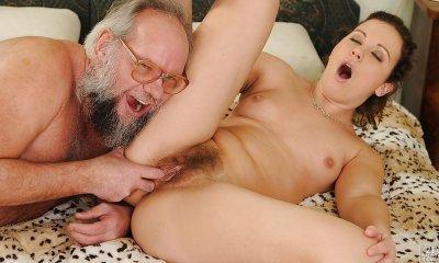 Porno ilə köhnə