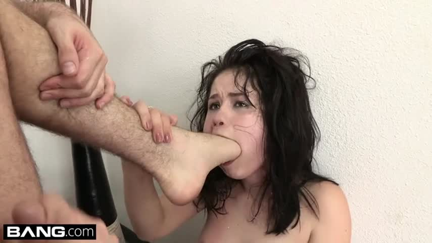 Dude roughly banged young bitch with cancer and forced her to lick their feet